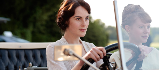 Lady Mary and Lavinia in the car
